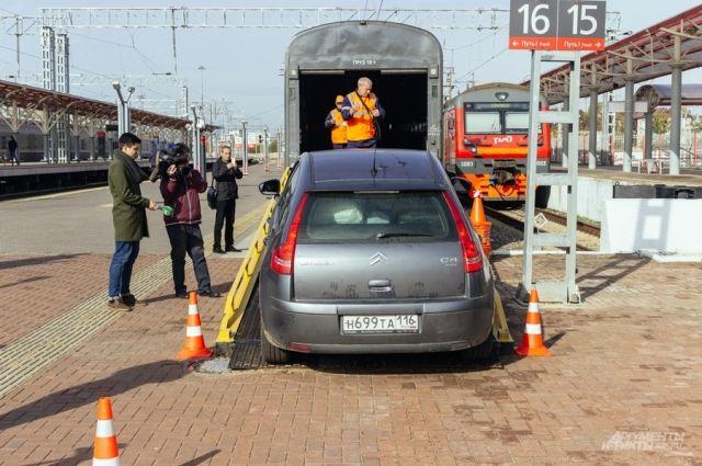 Почти миллион пассажиров перевезли на Ямале поезда