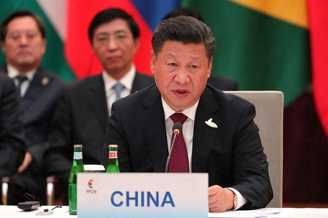 Зачем имя Си Цзиньпина вписали в устав Компартии Китая?