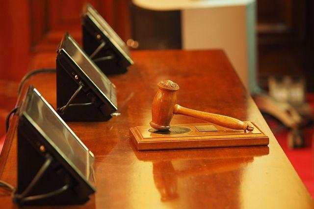 Суд лишил водителей прав.
