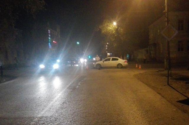 Ночью вЛипецке под колеса попали 2 девушки