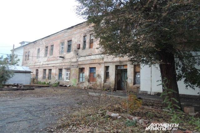 Дом, в котором десятилетиями живут люди, внезапно пропал с кадастровых документов.