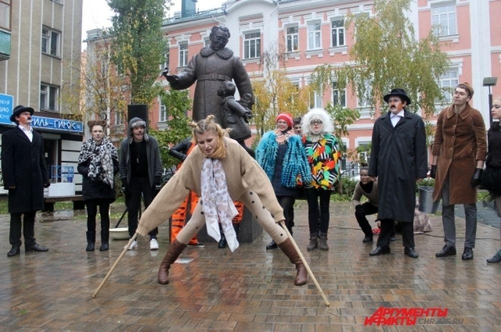 В программе фестиваля – самые яркие российские и зарубежные спектакли для детей и подростков, а также мастер-классы с участием известных актеров и режиссеров.