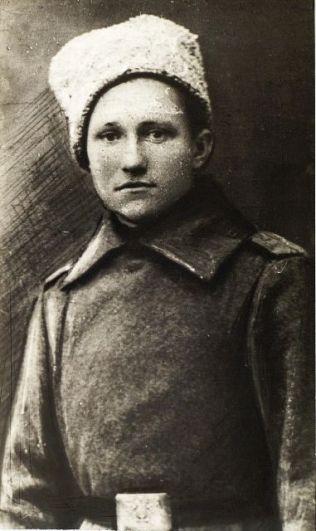 Еще один активный участник Октябрьского вооруженного восстания Иван Космовский. Он возглавил партизанское движение в Буинском и Алатырском уездах. Позже участвовал в сражениях на восточном фронте с адмиралом Колчаком. Погиб в 1919 году.