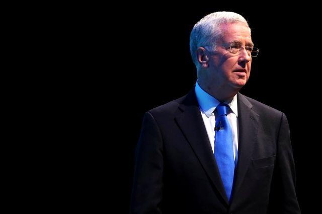 Предпосылкой отставки министра обороны Англии стали интриги вкабмине