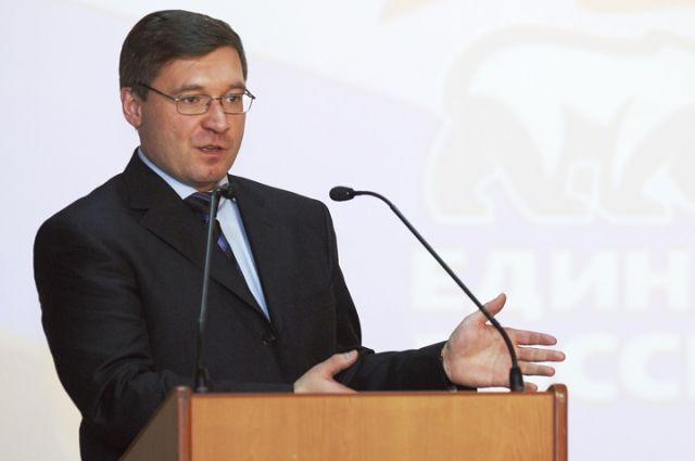 В День единства губернатор вручил тюменцам государственные награды