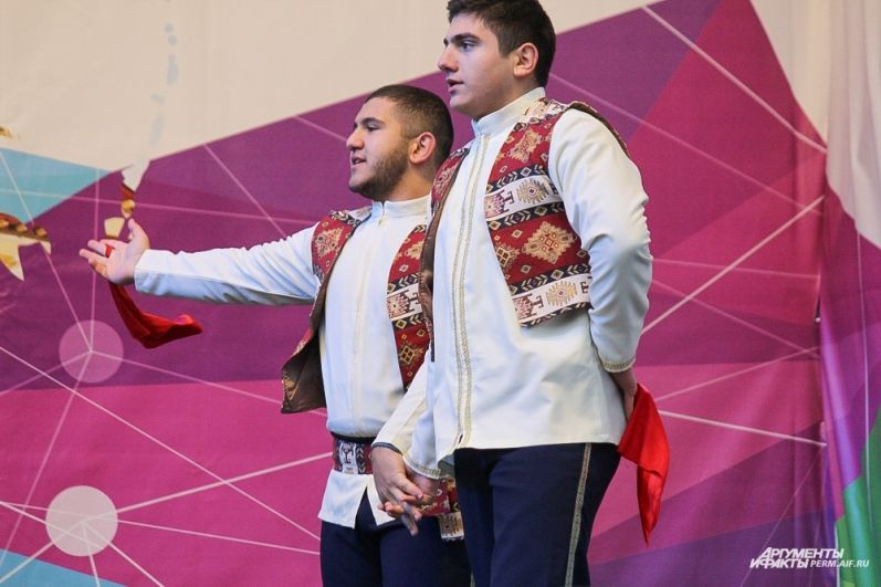 «Крунк» ансамбль армянского национального танца.