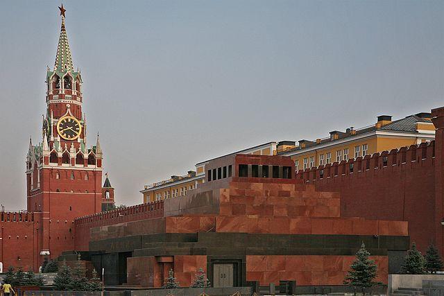 Мавзолей Ленина закроют вюбилей Великой Октябрьской революции