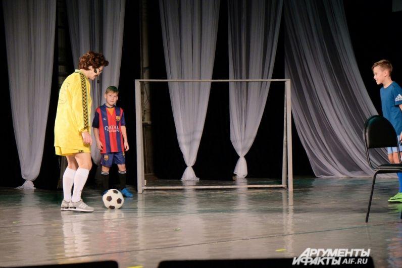Конкурс талантов «Будем жечь» показал спортивных, хозяйственных и деловых дам.