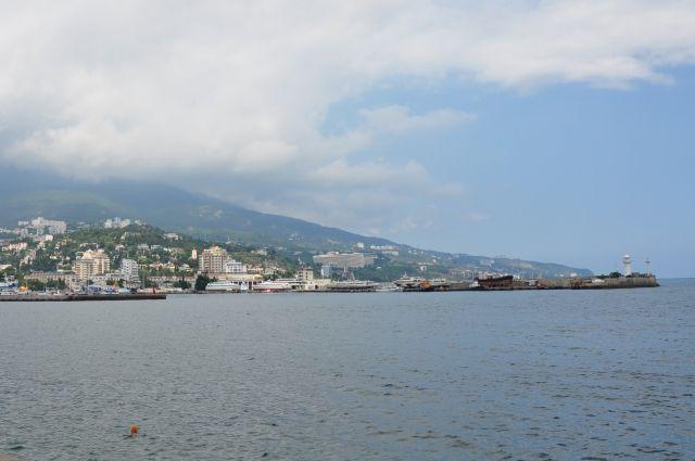 ВГеленджике юноша выпал заборт судна вморе