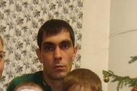 Родные верят, что второй пропавший рыбак Денис Закарян жив.