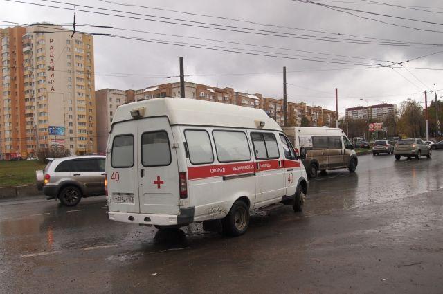 В Кузбассе пенсионерка погибла, выпав из окна квартиры на 5 этаже.