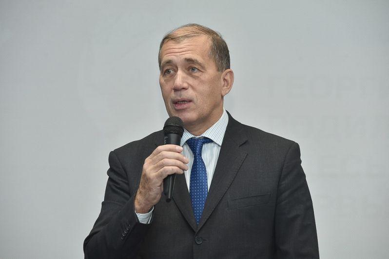 Семью актёра на заседаниях экспертного совета представлял двоюродный брат Георгия Буркова, Алексей Гоголев.
