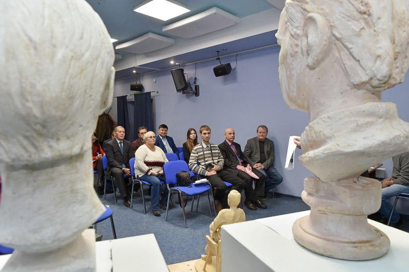 1 ноября в киносалоне «Премьер» состоялась презентация итогов конкурса по выбору лучшего проекта монумента.