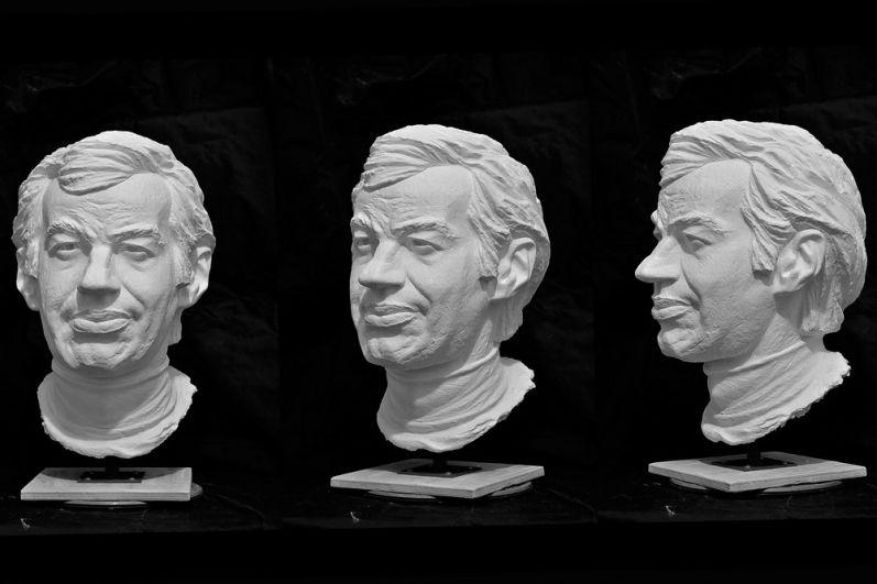 Конкурсный макет головы Буркову Георгию Ивановичу, предложенный архитектором Алексеем Залазаевым.