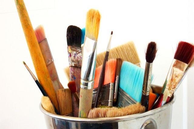 Наставники научили ребят рисовать на воде нерастворимыми красками