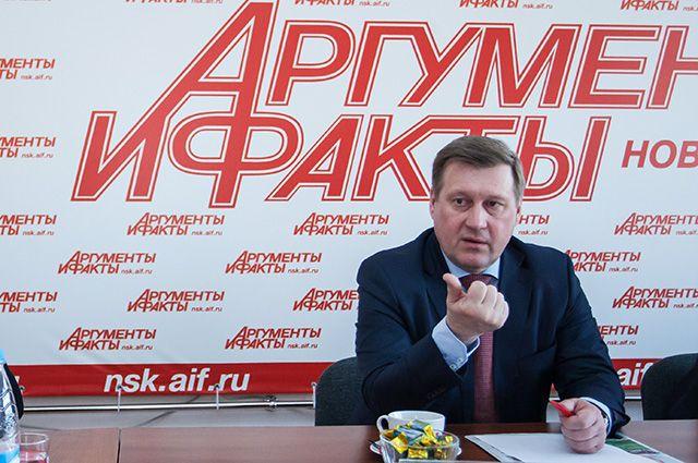 Прежде всего, мэр поблагодарил тех новосибирцев, кто поддержал его на выборах 2014 года.