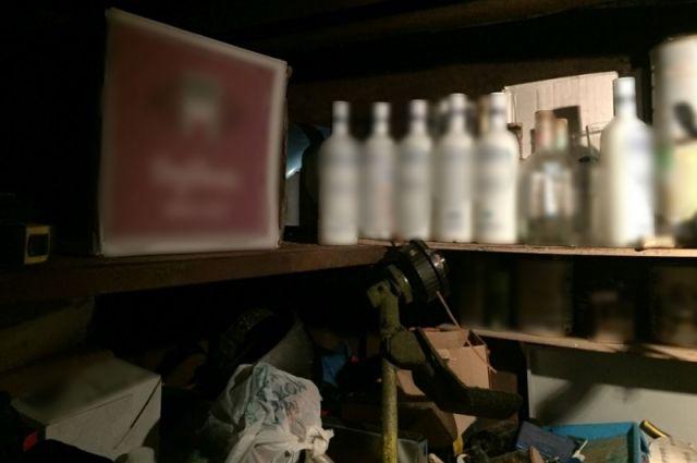 Финансовая милиция Омска изъяла крупную партию подозрительного алкоголя итабака