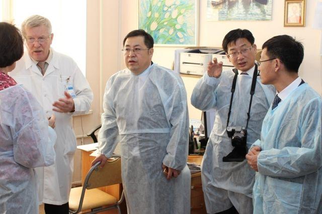 Китайская сторона уже сегодня готова принять у себя омских травматологов и ортопедов.