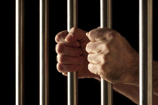 Сотрудниками патрульно-постовой службы полиции по приметам подозреваемый был задержан.