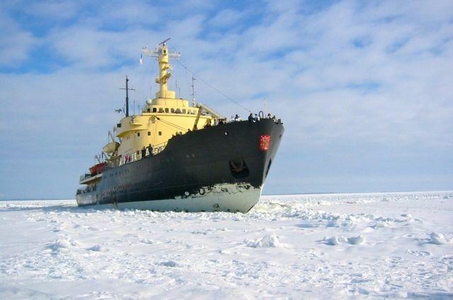 сейчас лед еще очень тонкий
