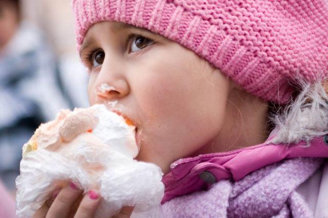 Желание есть только сладкое и жирное может привести к сахарному диабету.