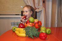 Жизнь – это не сахар. Надо с детства приучать детей к полезной еде. Так проще её полюбить.