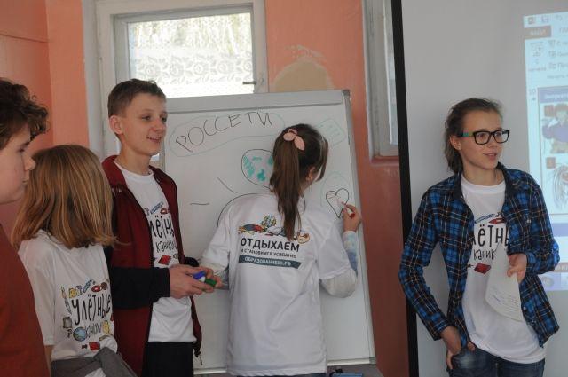 В программе приняли участие более 100 омских школьников.