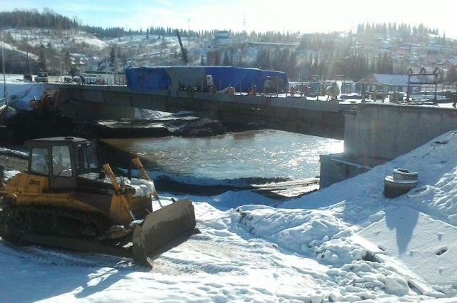 Мост через Кондому в Таштаголе откроют 15 декабря.
