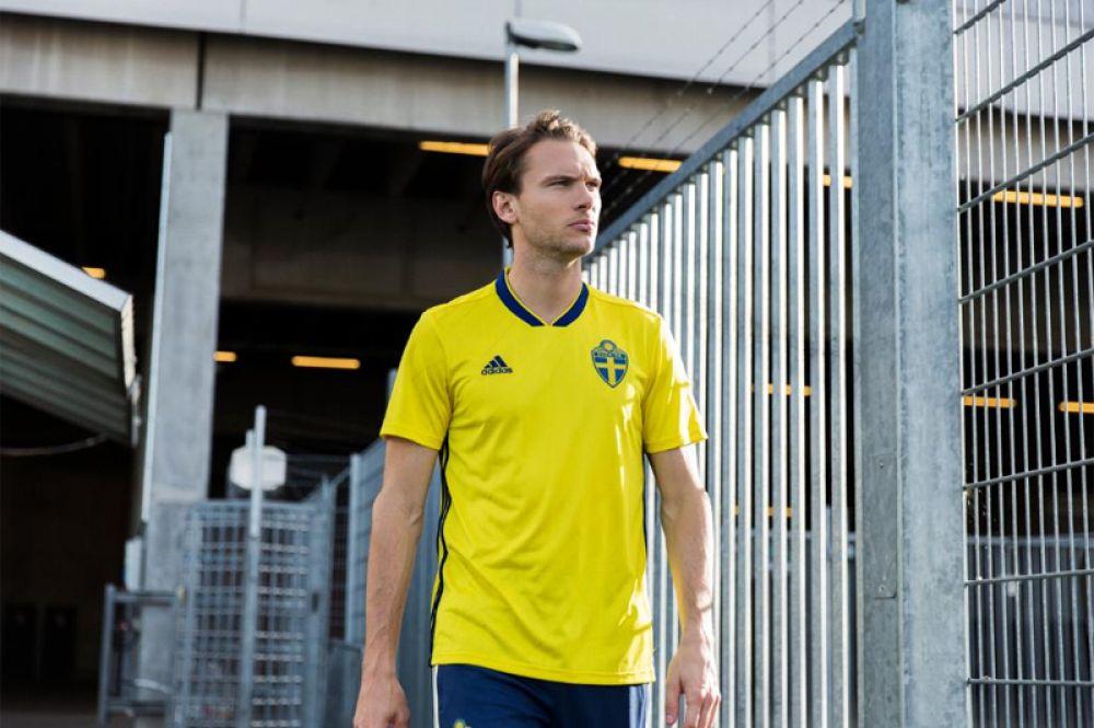 Форма сборной Швеции.