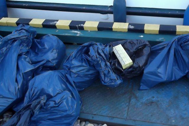 Крупный штраф заплатит калининградский дальнобойщик за контрабанду сигарет.