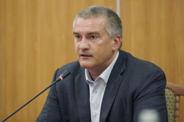 Аксенов объявил о легальности национализации вКрыму
