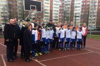 Дрозденко пообщался с юными спортсменами.