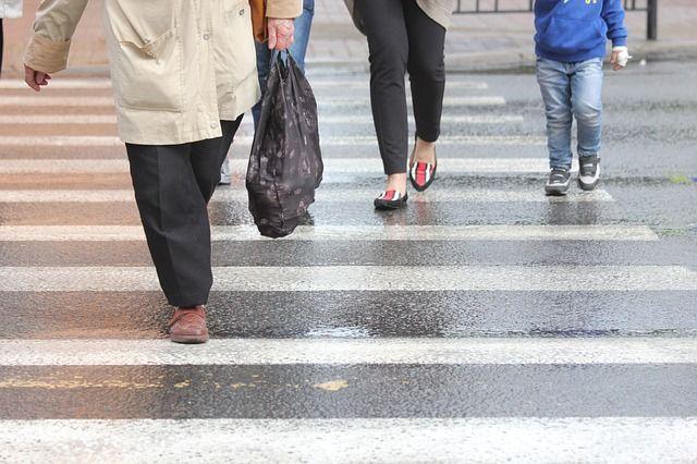Устанции метро «Старая Деревня» маршрутка сбила пожилого мужчину— свидетели