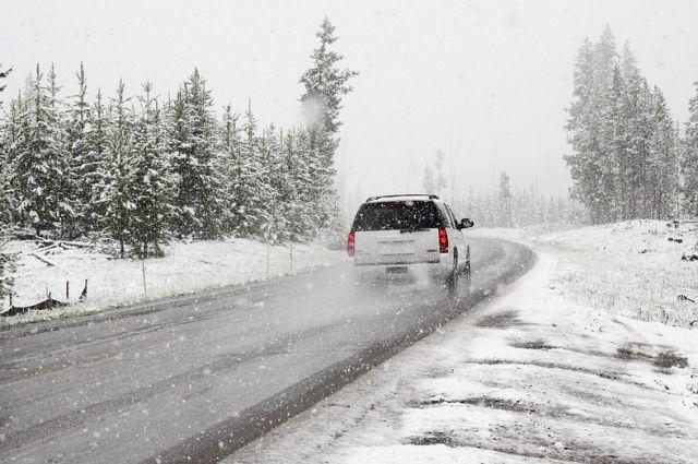 На дорогах Иркутской области ожидается гололедица и снежный накат.
