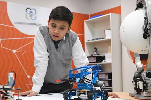 Учащимся преподают уроки технологии набазе технопарков иколледжей