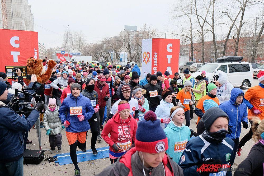 В забеге приняли участие 4 тысячи человек.