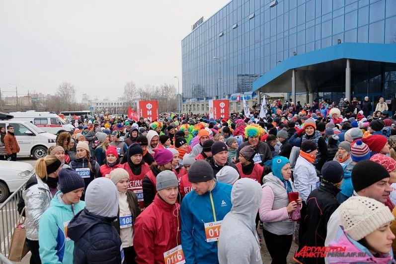 Собранные на марафоне деньги пойдут на лечение больных детей.
