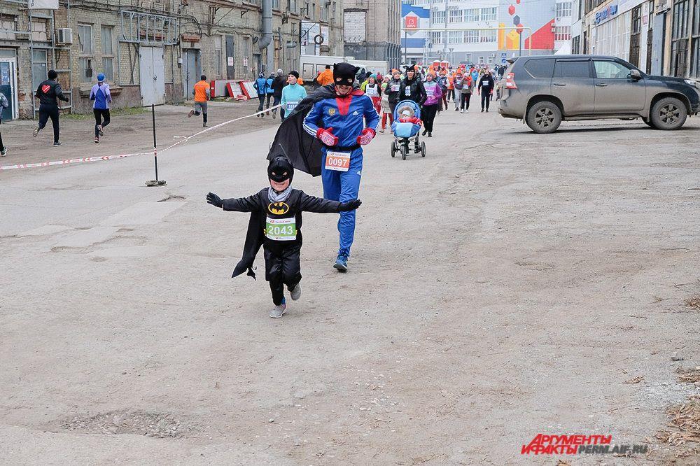В забеге приняли участие даже самые маленькие жители Перми.