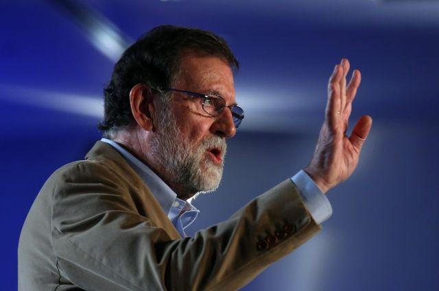 Премьер Испании впервые после референдума прибыл в Барселону