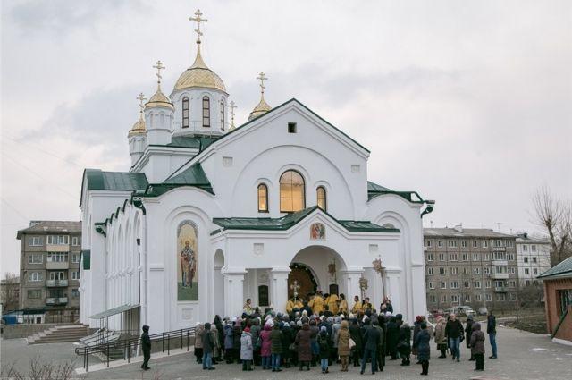 Храм построен в стиле раннехристианских базилик по проекту архитектора Владимира Терскова.