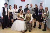 Молодожёны и гости долго продумывали концепцию и костюмы для торжества.