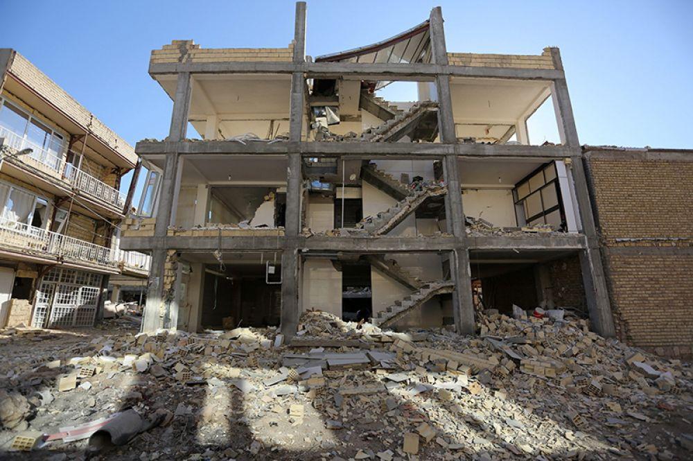 Самый большой удар стихия нанесла по провинциям Керманшах и Илам на западе Ирана – именно в этих регионах больше всего погибших и пострадавших.