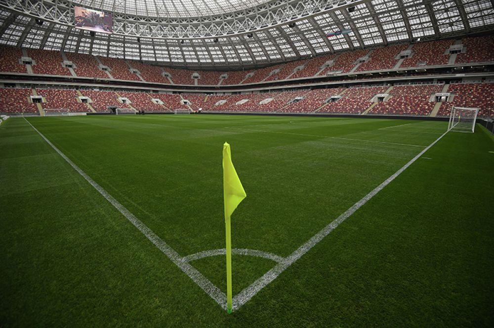 Большая спортивная арена «Лужники» перед началом матча.