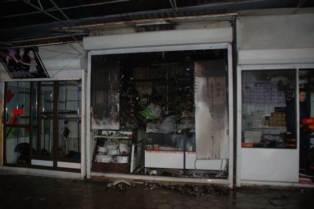 Во Львове загорелся один из самых крупных рынков
