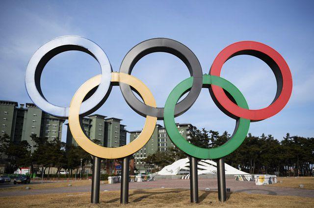 Олимпийские кольца в Олимпийском парке в Пхенчхане.