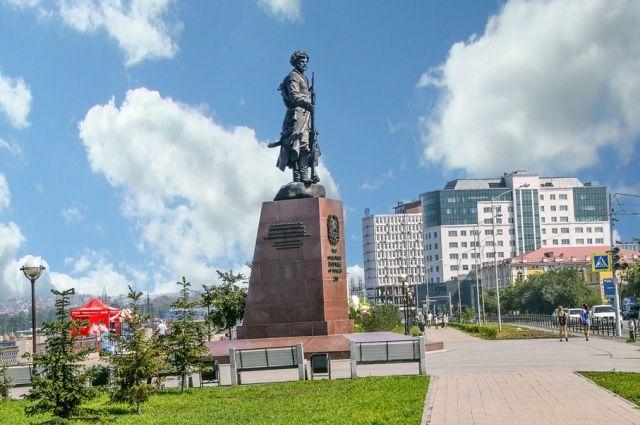 Памятник первопроходцам.