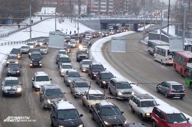 Количество автомобилей в Красноярске стремительно падает.