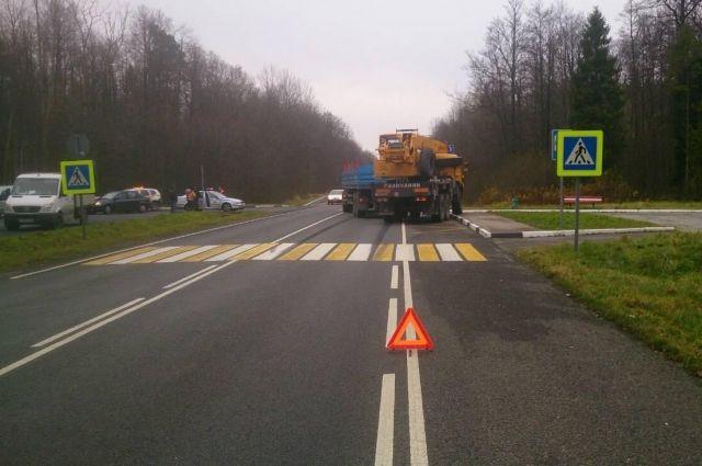 В Славском районе водитель автокрана устроил ДТП с тремя автомобилями.