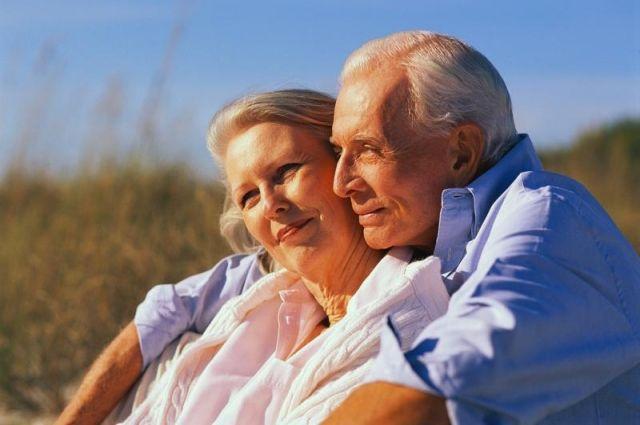 Правительство Украины обещало пересмотреть пенсии людей с большим стажем