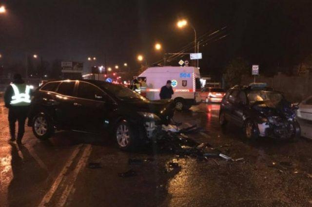 Пьяный сотрудник МВД спровоцировал смертельную аварию и заперся в авто